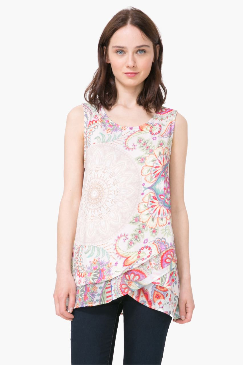 T-Shirts And Tops For women's tees, this go-to piece comes in thousands of variations and colors for a contemporary style. Cotton T-shirts, solid colored or printed, are perfect when paired with flared skirts for a fresh and glamorous look.