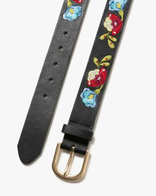 17WARP22_2000 Desigual Belt Embroidered Caribou Canada