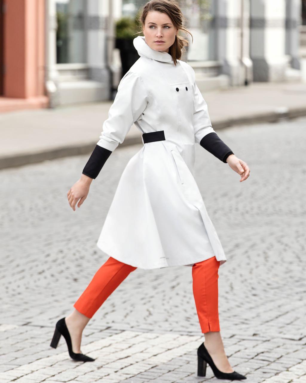Blaest Raincoat Barcelona White